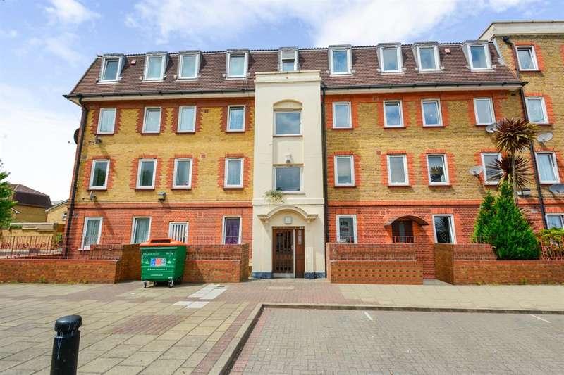 2 Bedrooms Flat for sale in Celandine Way, Stratford