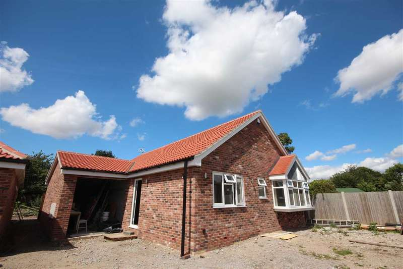 3 Bedrooms Bungalow for sale in Manor Road Gardens, Manor Road, Great Holland