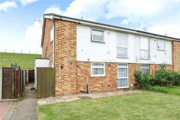 2 Bedrooms Maisonette Flat for sale in Jordans Close, Stanwell, Staines-upon-Thames