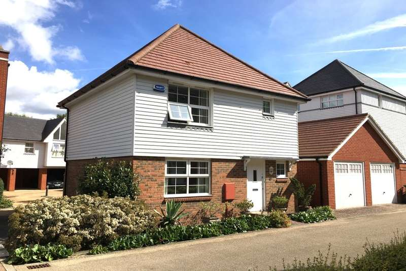3 Bedrooms Detached House for sale in Tilling Close, Maidstone, ME15