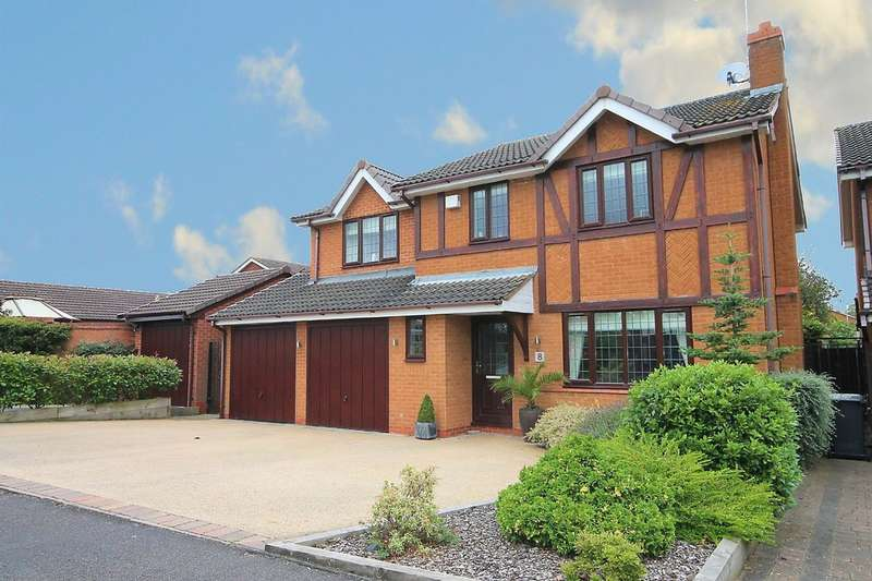 4 Bedrooms Detached House for sale in Pentire Road, Lichfield, WS14 9SQ