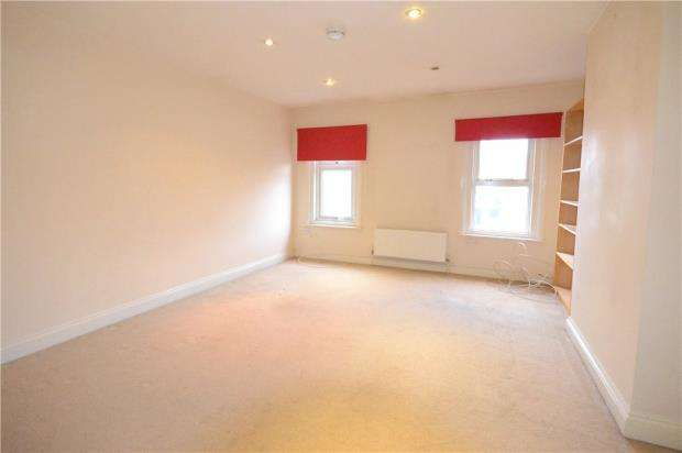 1 Bedroom Apartment Flat for sale in Cove Road, Farnborough, Hampshire