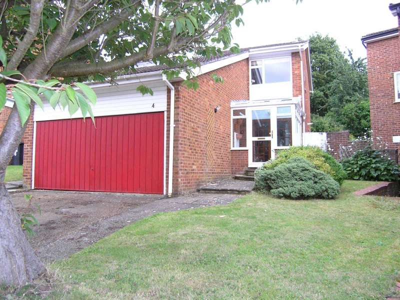 4 Bedrooms Detached House for sale in Meadowbank, Oxhey