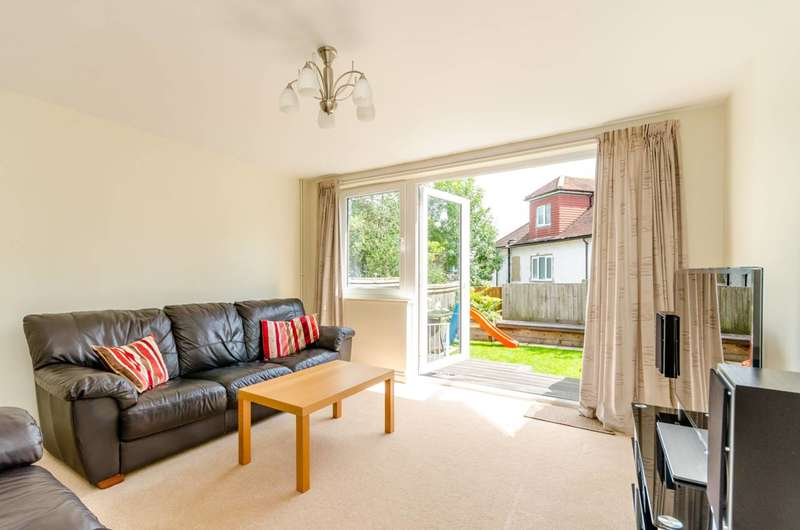 3 Bedrooms Terraced House for sale in George Wyver Close, Southfields, SW19