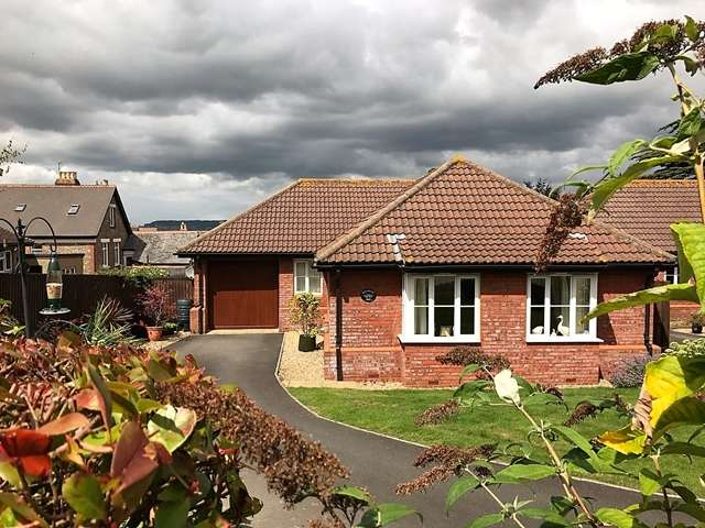 3 Bedrooms Detached Bungalow for sale in Monmouth Way, Honiton