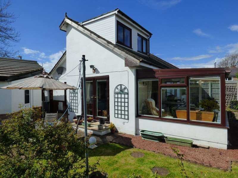 3 Bedrooms Bungalow for sale in Florence Avenue, Preston, Lancashire, PR4