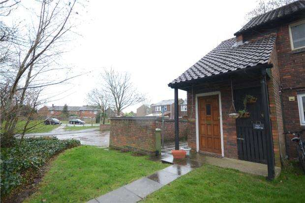 1 Bedroom Maisonette Flat for sale in Water Lane, Farnborough, Hampshire