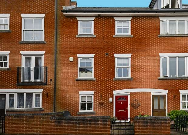 4 Bedrooms Terraced House for sale in Riverside Place, Fordingbridge, Hampshire