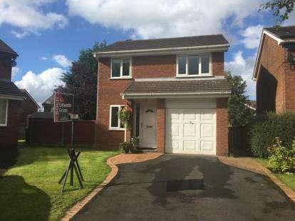 3 Bedrooms Detached House for sale in Ontario Close, Lammack, Blackburn, Lancashire, BB2