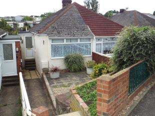 1 Bedroom Bungalow for sale in Magpie Hall Road, Chatham, Kent
