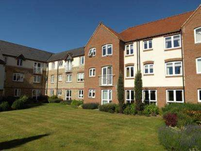 2 Bedrooms Flat for sale in Priory Road, Downham Market, Norfolk