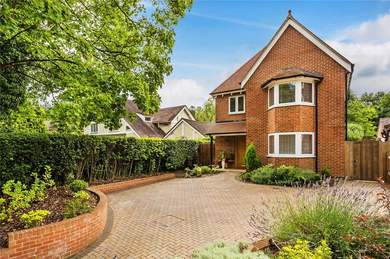 5 Bedrooms Detached House for sale in Foxley Lane, Purley, CR8