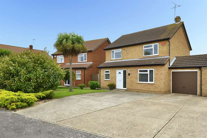 4 Bedrooms Detached House for sale in Peartree Road, Broomfield, Herne Bay