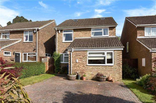 5 Bedrooms Detached House for sale in Springfield Park, Maidenhead, Berkshire