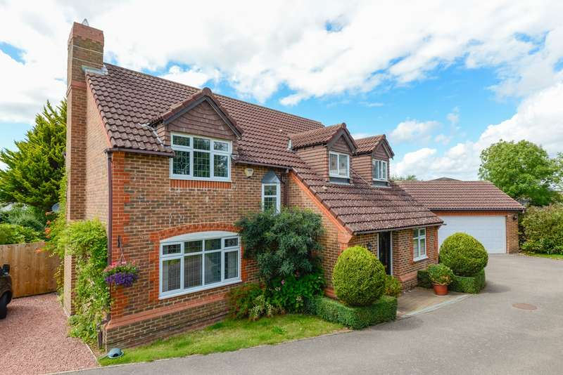 4 Bedrooms Detached House for sale in Lucilla Avenue, Knights Park, Ashford, TN23