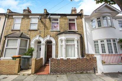 2 Bedrooms Terraced House for sale in Stratford, London, England