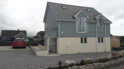 2 Bedrooms Flat for sale in Banjo Lane, St Issey, Cornwall