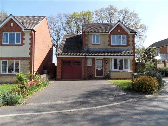 4 Bedrooms Detached House for rent in Oakwood Gardens, Coalpit Heath, Bristol, BS36