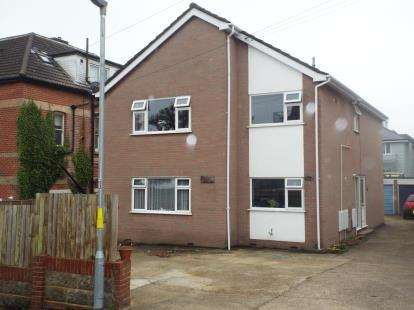 2 Bedrooms Flat for sale in 13 Burnaby Road, Bournemouth, Dorset