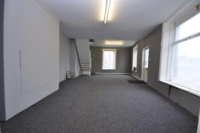 Commercial Property for rent in Blackburn Road, Lynwood, Darwen