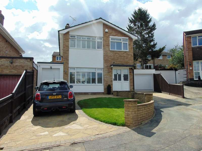 3 Bedrooms Detached House for sale in Lichfield Way, South Croydon, Surrey, CR2 8SD