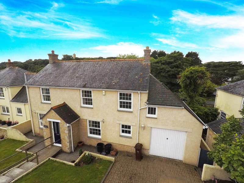 4 Bedrooms Detached House for sale in Lower Meadow, Chacewater