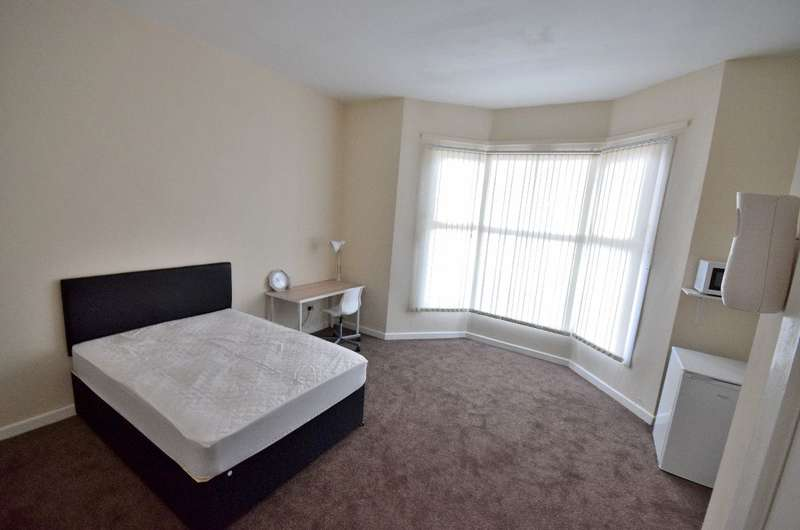 1 Bedroom House Share for rent in Room 1, Beeches Road, West Bromwich, B70 6HJ