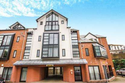 3 Bedrooms Flat for sale in Tudor Street, Exeter, Devon