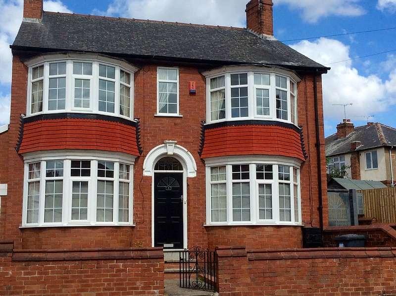 3 Bedrooms Detached House for sale in St. Cecilias Road, Belle Vue, Doncaster, South Yorkshire, DN4 5EN