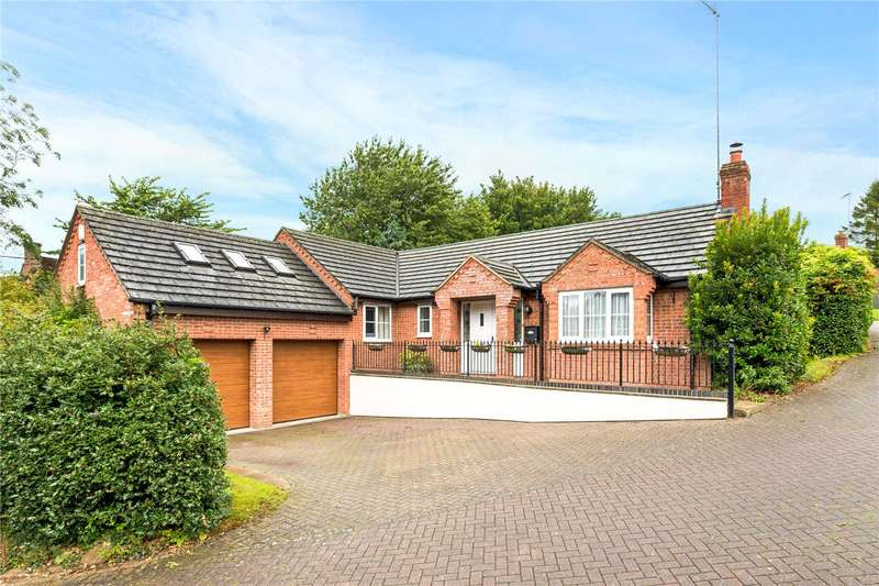 4 Bedrooms Detached Bungalow for sale in Farebrother Close, Byfield, Daventry, Northamptonshire, NN11