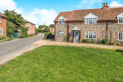 2 Bedrooms Semi Detached House for sale in Great Massingham, King's Lynn, Norfolk