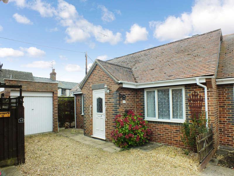 2 Bedrooms Semi Detached Bungalow for sale in Watchfield