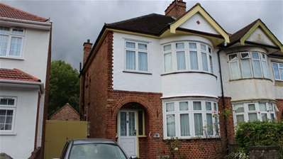 3 Bedrooms Semi Detached House for sale in Whitefriars Drive, Harrow Weald