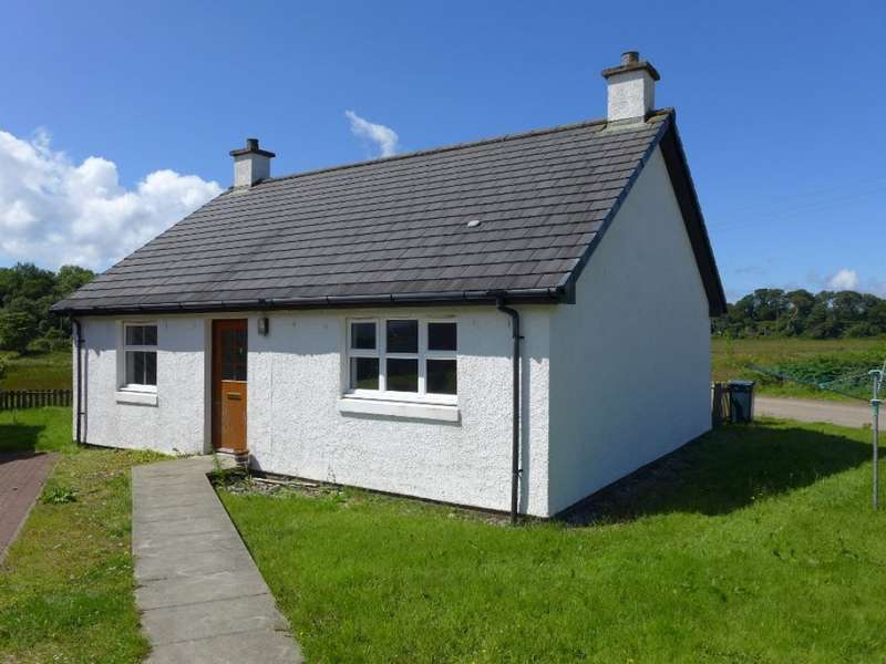 2 Bedrooms Detached Bungalow for sale in 1 Carsaig Road, Tayvallich, PA31 8AJ