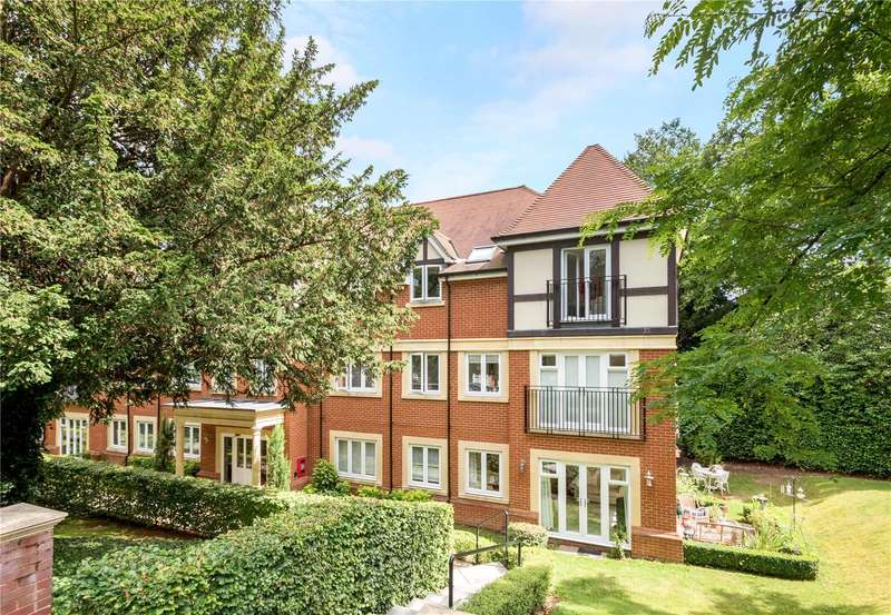 2 Bedrooms Flat for sale in Baily Gardens, Wray Common Road, Reigate, Surrey, RH2