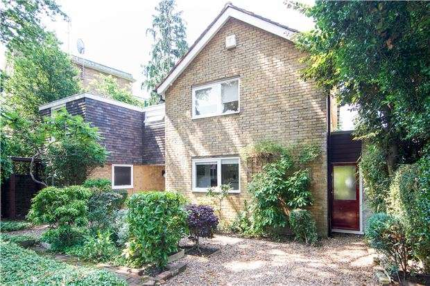 5 Bedrooms Detached House for sale in Victoria Drive, London, SW19 6HL