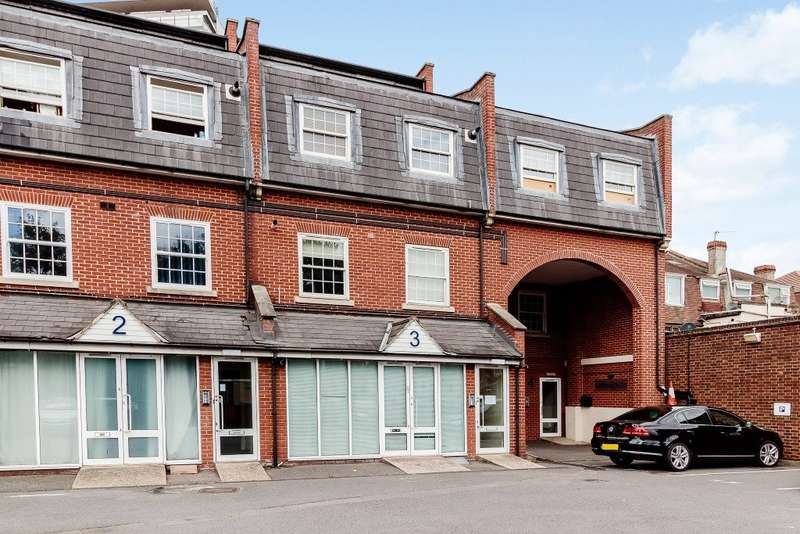 1 Bedroom Flat for sale in Tolworth