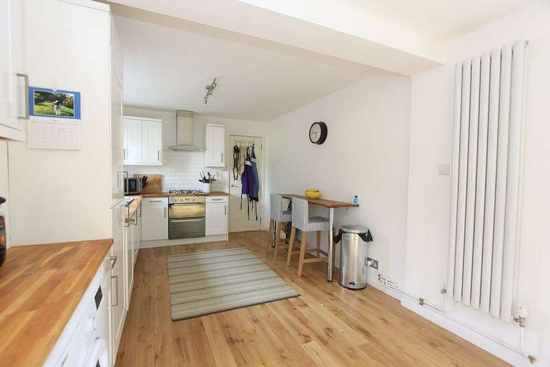 3 Bedrooms Semi Detached House for sale in East End Road, London, London, N2