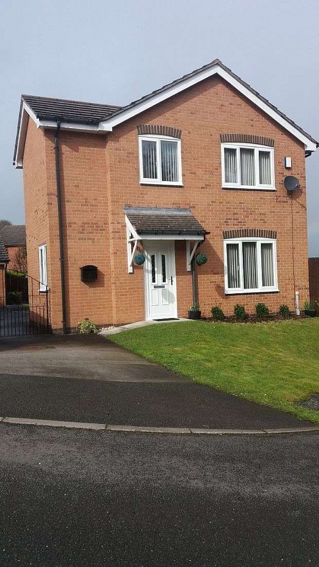 4 Bedrooms Detached House for sale in Furnace Close, Wrexham, North Wales, LL11 5EZ