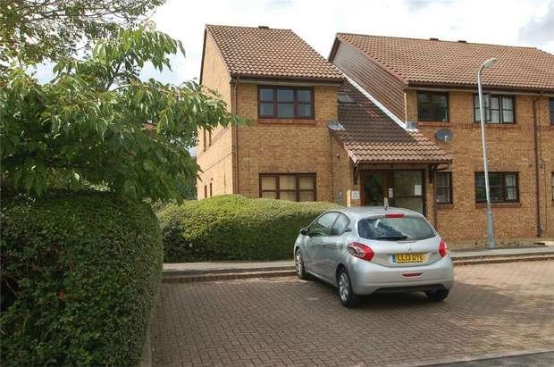 2 Bedrooms Flat for sale in The Larches, Milford Close, St Albans, Hertfordshire