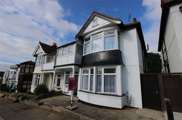 4 Bedrooms Semi Detached House for sale in 61 Highcliff Drive, LEIGH-ON-SEA, Essex