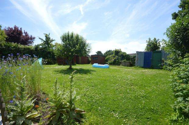 2 Bedrooms Terraced House for sale in Church Road, Alphington, Exeter, Devon