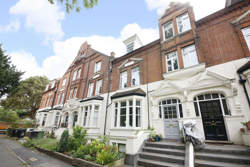 2 Bedrooms Flat for sale in Adelaide Avenue, Brockley, London, SE4 1YR