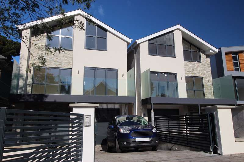 4 Bedrooms Detached House for sale in Grasmere Road, Sandbanks, Poole, BH13
