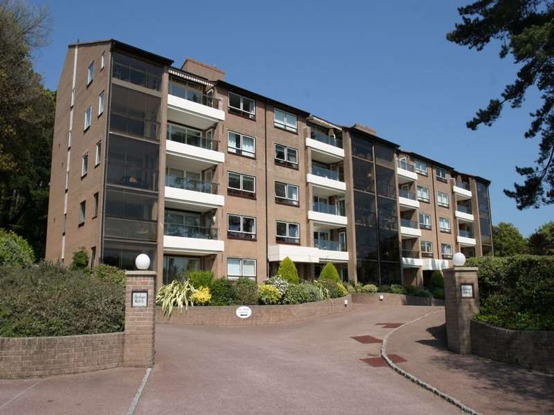 3 Bedrooms Apartment Flat for sale in Sandbanks Road, Evening Hill, BH14