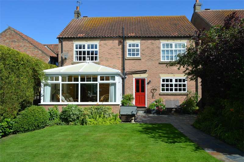 4 Bedrooms Detached House for sale in 4 Manor Green, North Frodingham, East Riding of Yorkshire
