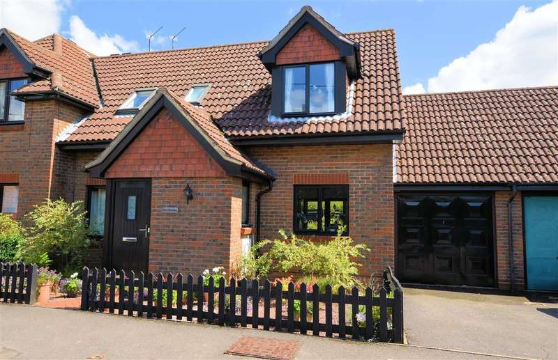 2 Bedrooms Semi Detached House for sale in Mortimer Common, Reading, RG7