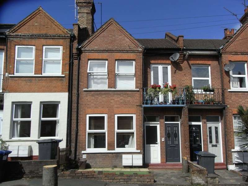 2 Bedrooms Flat for sale in Welbeck Road, East Barnet