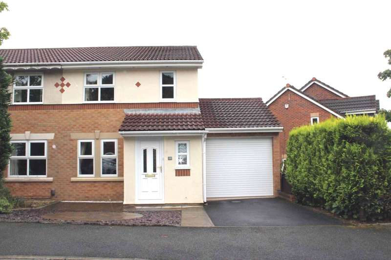 3 Bedrooms Semi Detached House for sale in Oakworth Drive, Bolton