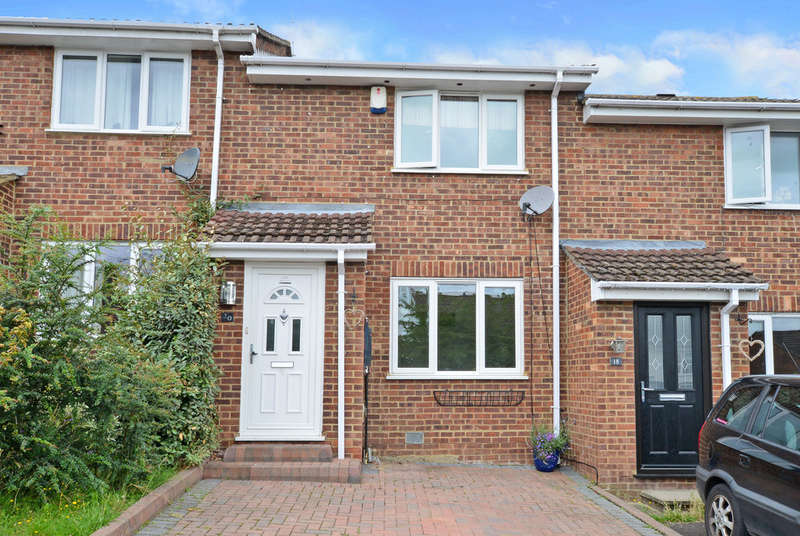 2 Bedrooms Terraced House for sale in Yateley, Hampshire